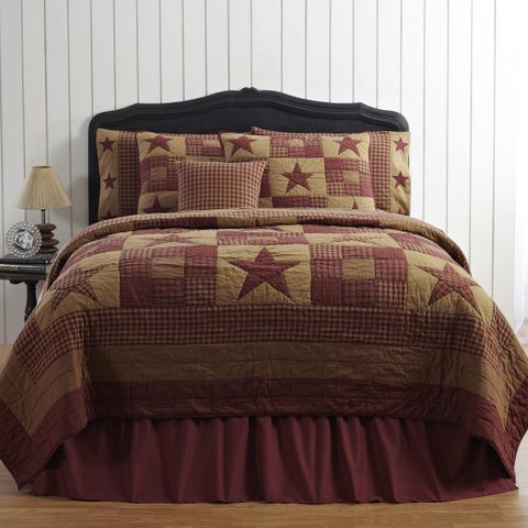 Ninepatch Cotton Star Quilt (Shams Not Included)
