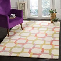Martha Stewart by Safavieh Color Chain Peony / White / Pink Wool Area Rug - 4' x 6'