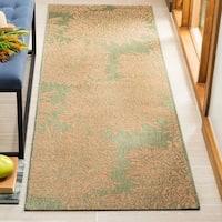 Martha Stewart by Safavieh Chrysanthemum Green / Beige / Green / Beige Runner Rug - 2'7 x 8'2