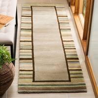 Martha Stewart by Safavieh Striped Border Tadpole Green / Beige / Green Wool Runner Rug - 2'3 x 8'