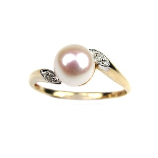 Pearl Lustre Genuine Freshwater Pearl and Diamonds set in 14K gold ring