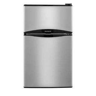 """FFPS3122QM 19"""" Compact Refrigerator"""