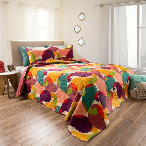 Evelyn Embossed Quilt Bedroom Set by Windsor Home - Pink/Yellow