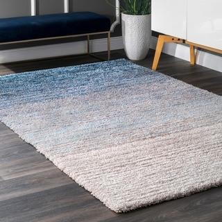 nuLOOM Handmade Striped Soft Plush Ombre Blue Shag Rug (5' x 8')