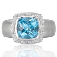 Avanti 14K White Gold 1/6 CT TDW Diamond Halo and Custhion Cut Blue Topaz Center Fashion Ring (G-H, SI1-SI2)