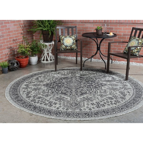 Alise Rugs Colonnade Traditional Medallion Round Area Rug - 7'10 x 7'10
