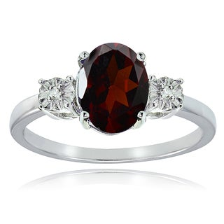Glitzy Rocks Sterling Silver African Garnet and Diamond Accent Oval Ring