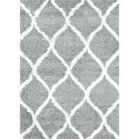 Persian Rugs Manhattan Collection Grey and White Shag Area Rug - 5'2 x 7'2