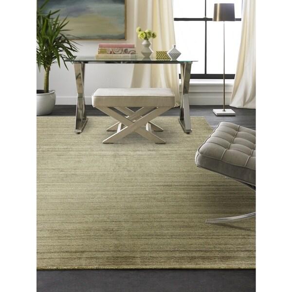 Meridian Oatmeal Handmade Wool/Vicose Area Rug (2'6 x 10')