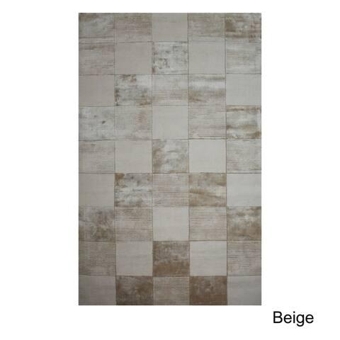 Superior Checkered Hand Woven Bohemian Viscose Beige Area Rug (5' x 8')
