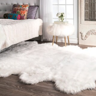 nuLOOM Faux Flokati Sheepskin Soft and Plush Cloud White Octo Shag Rug (6' x 7')