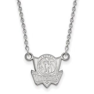 10 Karat White Gold Dallas Mavericks Small Pendant with Necklace
