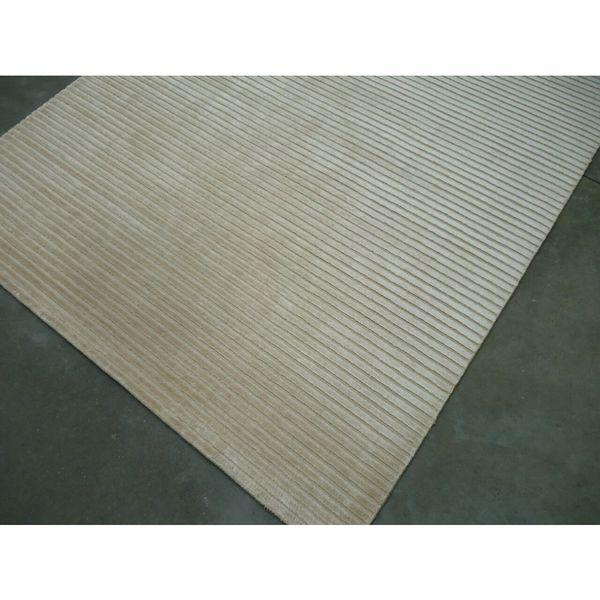 Ivory Silk Vicose Area Rug - 8' x 10'