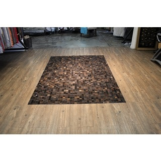 Brown/Black Hair-on-hide Leather Patchwork Pattern Area Rug (5' x 7')