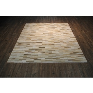 Beige Hair-on-hide Asymmetric Striped Pattern Rug with White Zigzag Stiching (5' x 7')