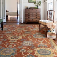 Hand-hooked Rust/ Gold Classic Floral Wool Area Rug - 9'3 x 13'