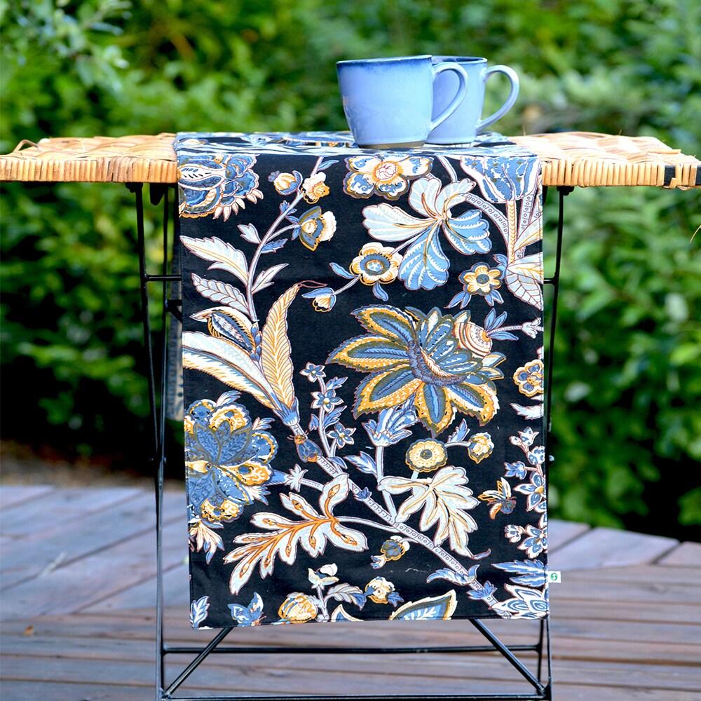 Handmade Boho Batik Table Runner (13x60) (India) (Black/B...