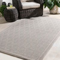 Durable Trellis Indoor/Outdoor Cream Area Rug - 5' x 7'6""
