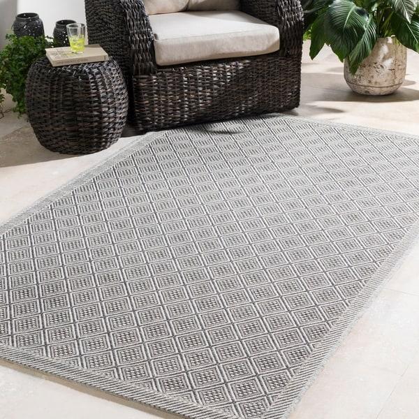 Durable Trellis Indoor/Outdoor Grey Area Rug - 2' x 3'