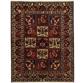 Herat Oriental Persian Hand-knotted Bakhtiari Wool Rug (5'3 x 6'7)