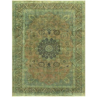 Hand-knotted SHAKITA Lt. Brown/Lt. Green Wool (7' 9 X 11' 4) - 7 ft. 9 in. x 11 ft. 4 in.