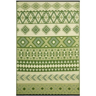 Ankara Green Indoor/ Outdoor Reversible Area Rug (6' x 9')