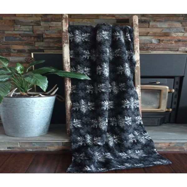 Mazmania Winter's Eve Looped Wool Throw