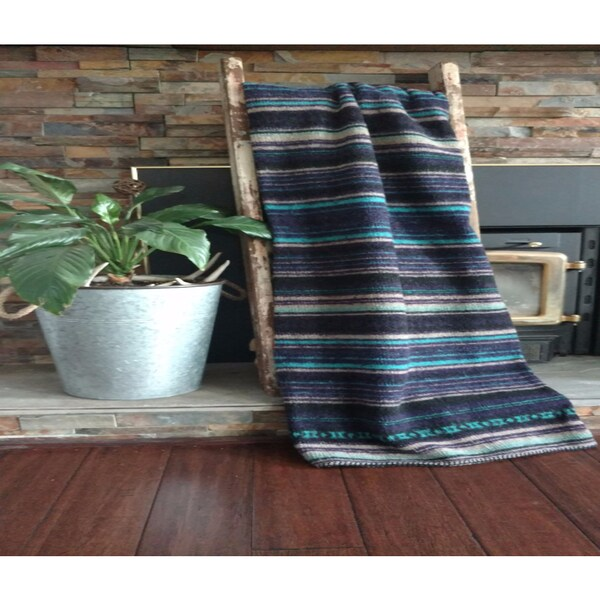 Mazmania Mexicali Looped Wool Throw