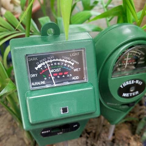 3 in 1 Garden Soil Tester - PH, Moisture & Light