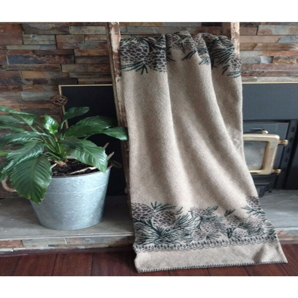 Mazmania Pine Cone Looped Wool Throw