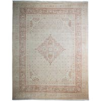 Gamamrah Hand-knotted Ivory Wool Area Rug - 8'2x10'5
