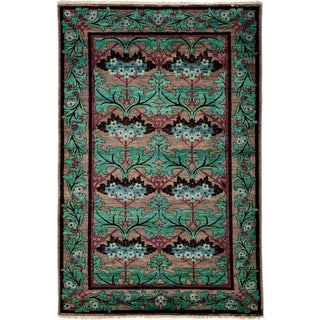 """Sunoomah Hand Knotted Area Rug (4'10"""" X 7'8"""")"""