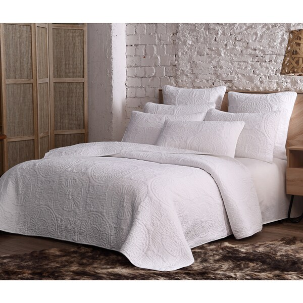 Shop Estate Avani Cotton 3 Piece Queen Full Size Quilt Set In Beige
