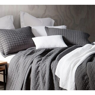 BYB Classic Supersoft Pewter Prewashed Cotton Quilt Set