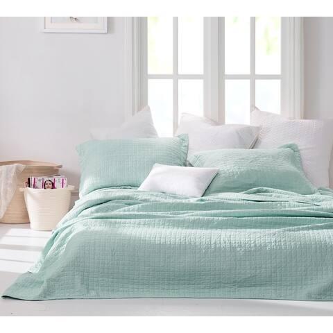 BYB Wrinkle Mint Green Microfiber Stone-washed Quilt Set