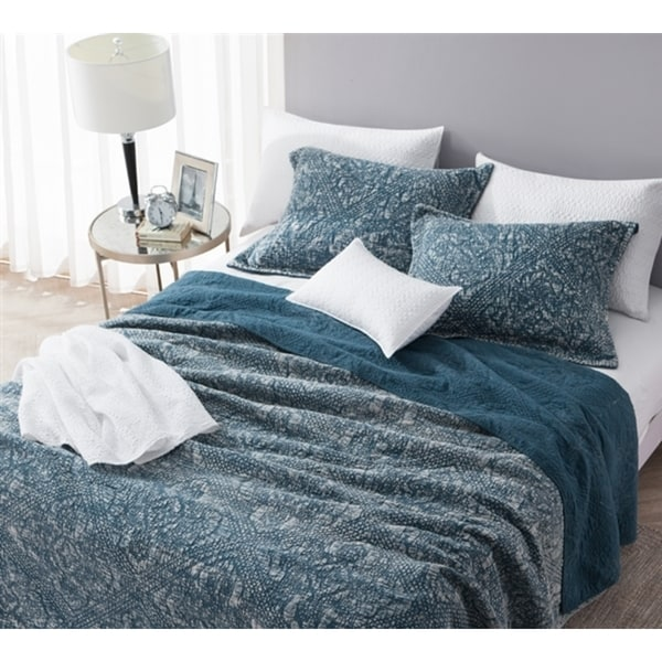 BYB Nightfall Gradient Navy Stonewashed Cotton Quilt Set