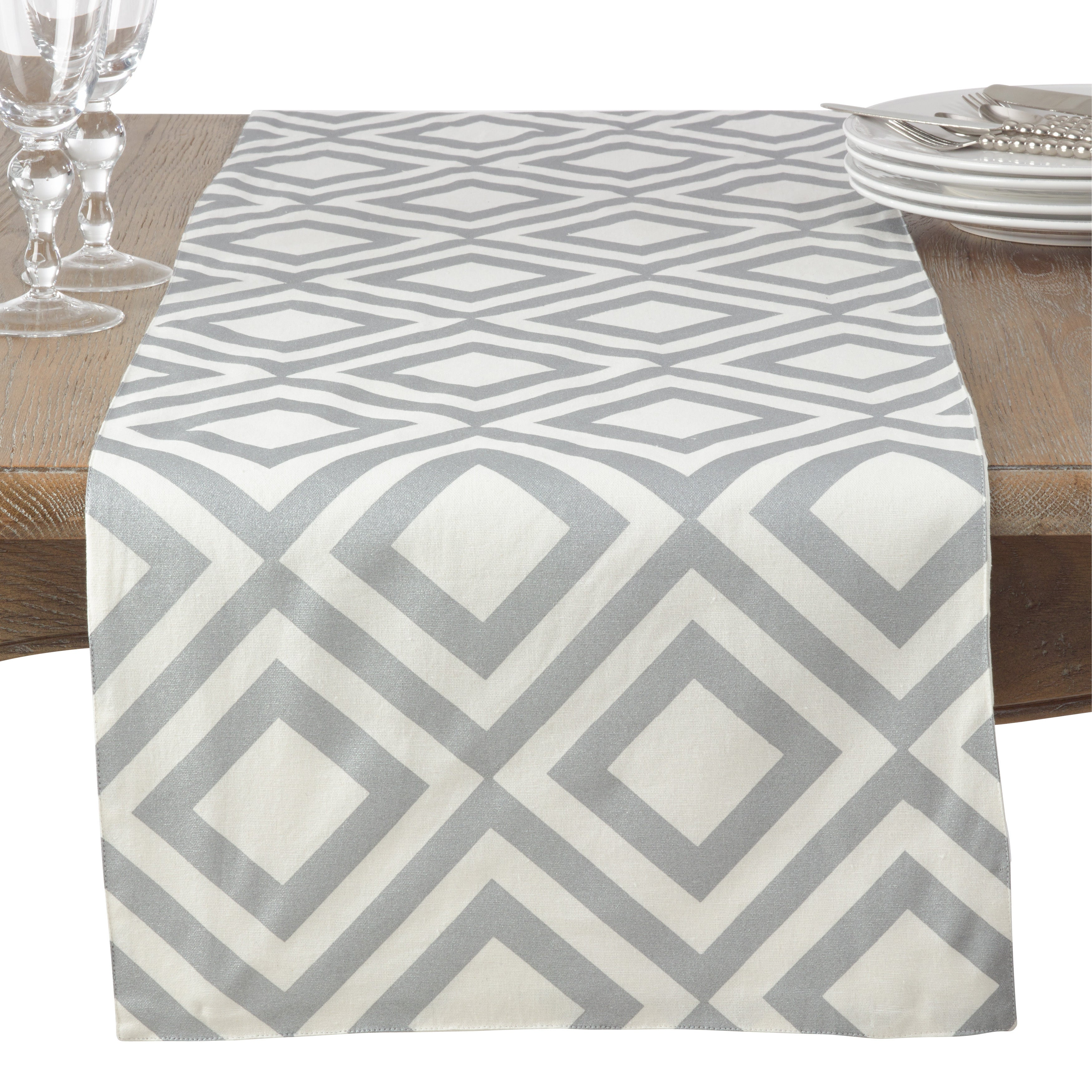 Saro Metallic Diamond Design Motif Cotton Table Runner (S...
