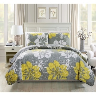 Fashion Street Floral 3-piece Quilted Set