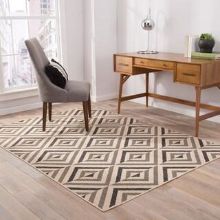 """Brentin Indoor/ Outdoor Geometric Black/ Beige Area Rug (5' X 7'6"""")"""