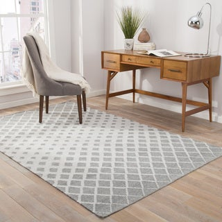 Nelson Indoor/Outdoor Geometric Gray/ White Area Rug - 5' x 8'