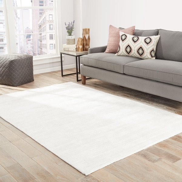 Lizette Handmade Solid White Area Rug
