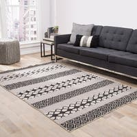 Chandler Indoor/ Outdoor Geometric Black/ Gray Area Rug (8' X 10') - 8' x 10'
