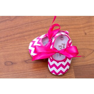 Hot Pink Chevron with Ribbon|https://ak1.ostkcdn.com/images/products/16105682/P22487907.jpg?_ostk_perf_=percv&impolicy=medium