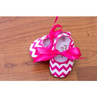 Hot Pink Chevron with Ribbon