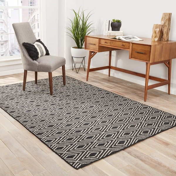 Sedona Indoor/ Outdoor Geometric Black/ Beige Area Rug (2' X 3')
