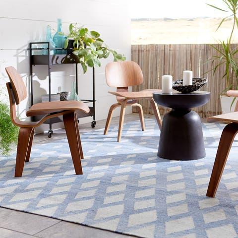 "Nelson Indoor/Outdoor Geometric Blue/ Cream Area Rug (8' X 10') - 7'10"" x 9'10"""