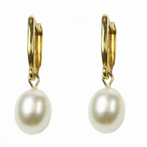 Pearl Lustre Yellow gold half hoop earring and freshwater pearl