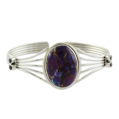 "Handmade Violet Island Sterling Silver Cuff (India) - 7'6"" x 9'6"""