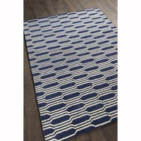 Artist's Loom Hand-tufted Contemporary Graphic Pattern Blue/White Wool Rug (7'x10')
