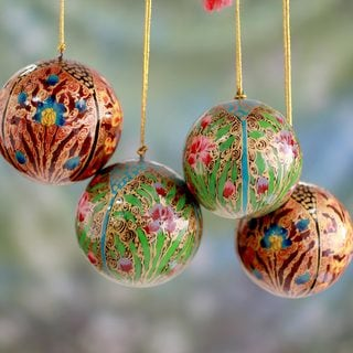 Set of 4 Handcrafted Papier Mache 'Christmas Blossoms' Ornaments (India)